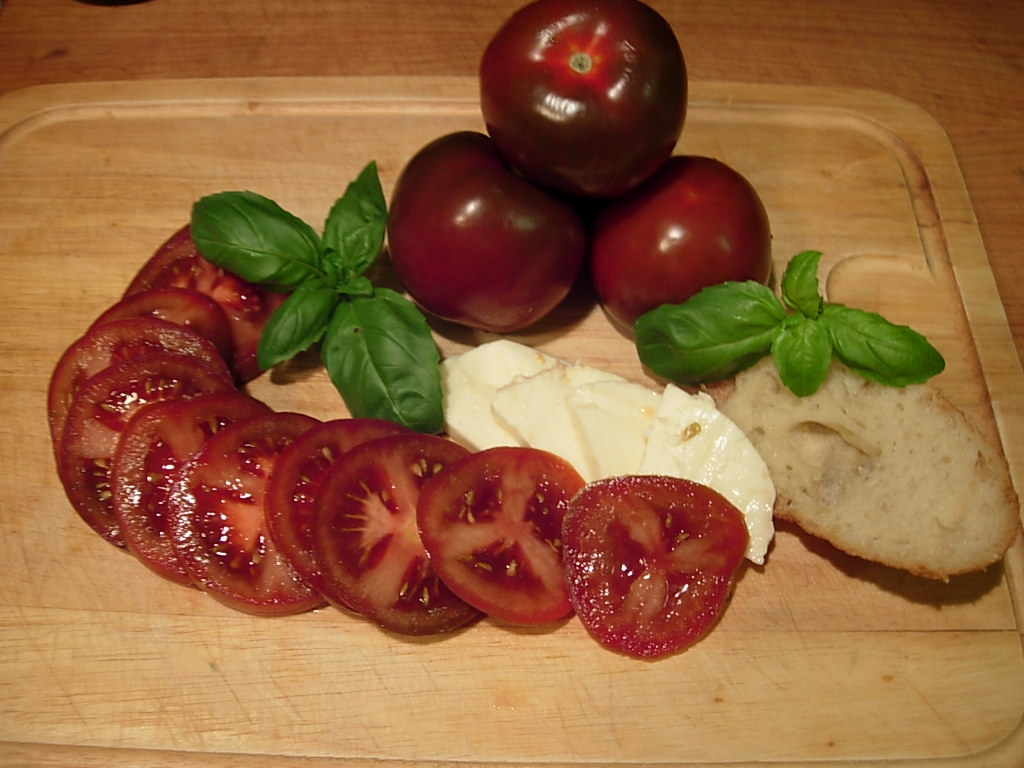 Caprese recipe with Rosso Bruno tomatoes mozzarella fresh basil